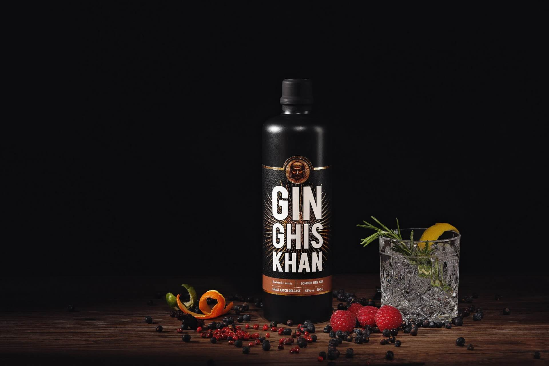 GIN GHIS KHAN One Bottle With Gin Tonic